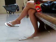 Hot Asian Teen Shows Her Great Legs On Public Spy Cam