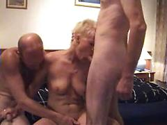 Milf amateur threesome