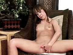 Curvaceous Grace digs her stretchy pussy with naughty fingers